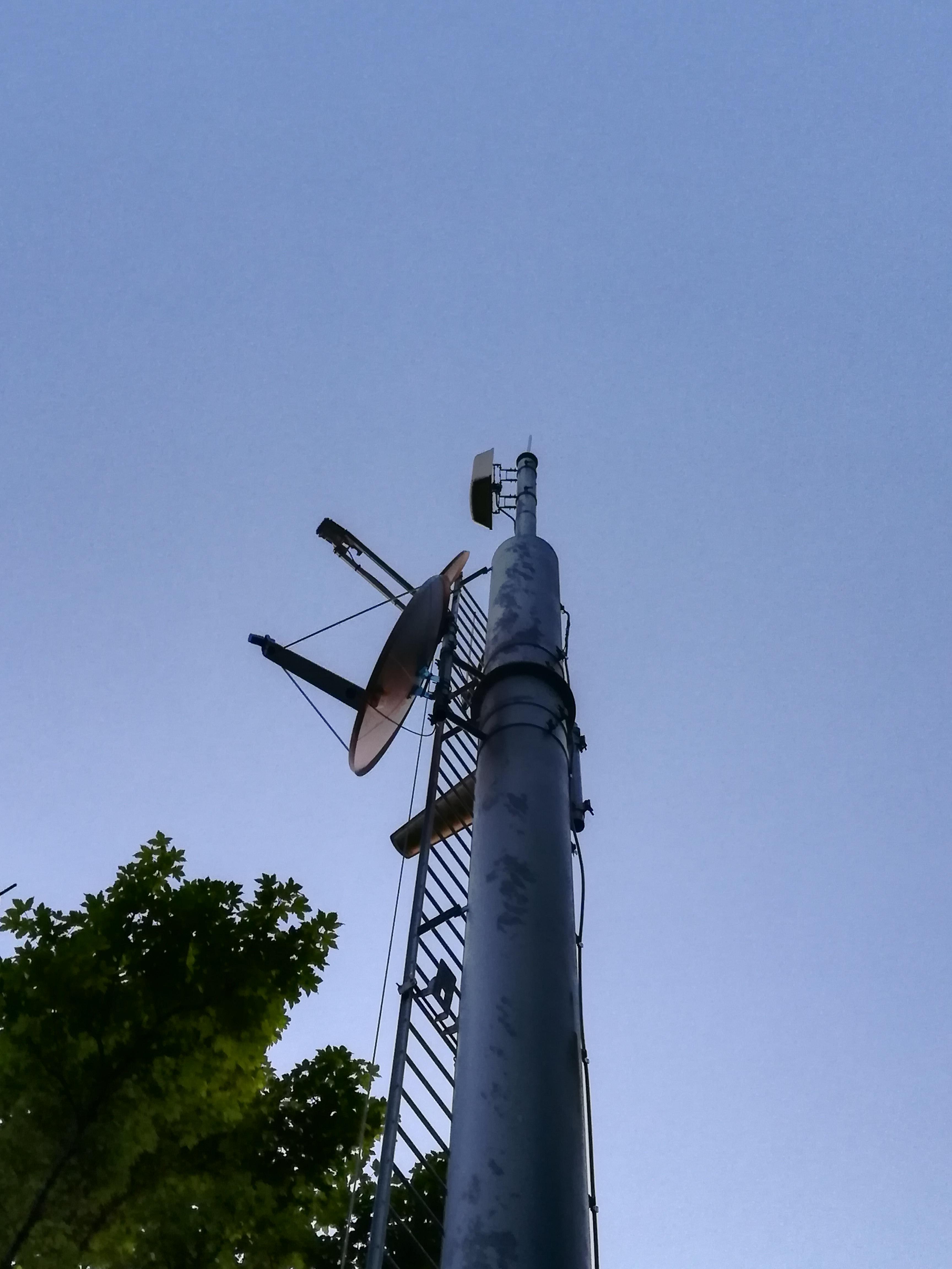 Pylone tubulaire Itas Tim - TV - Collecte Satellite
